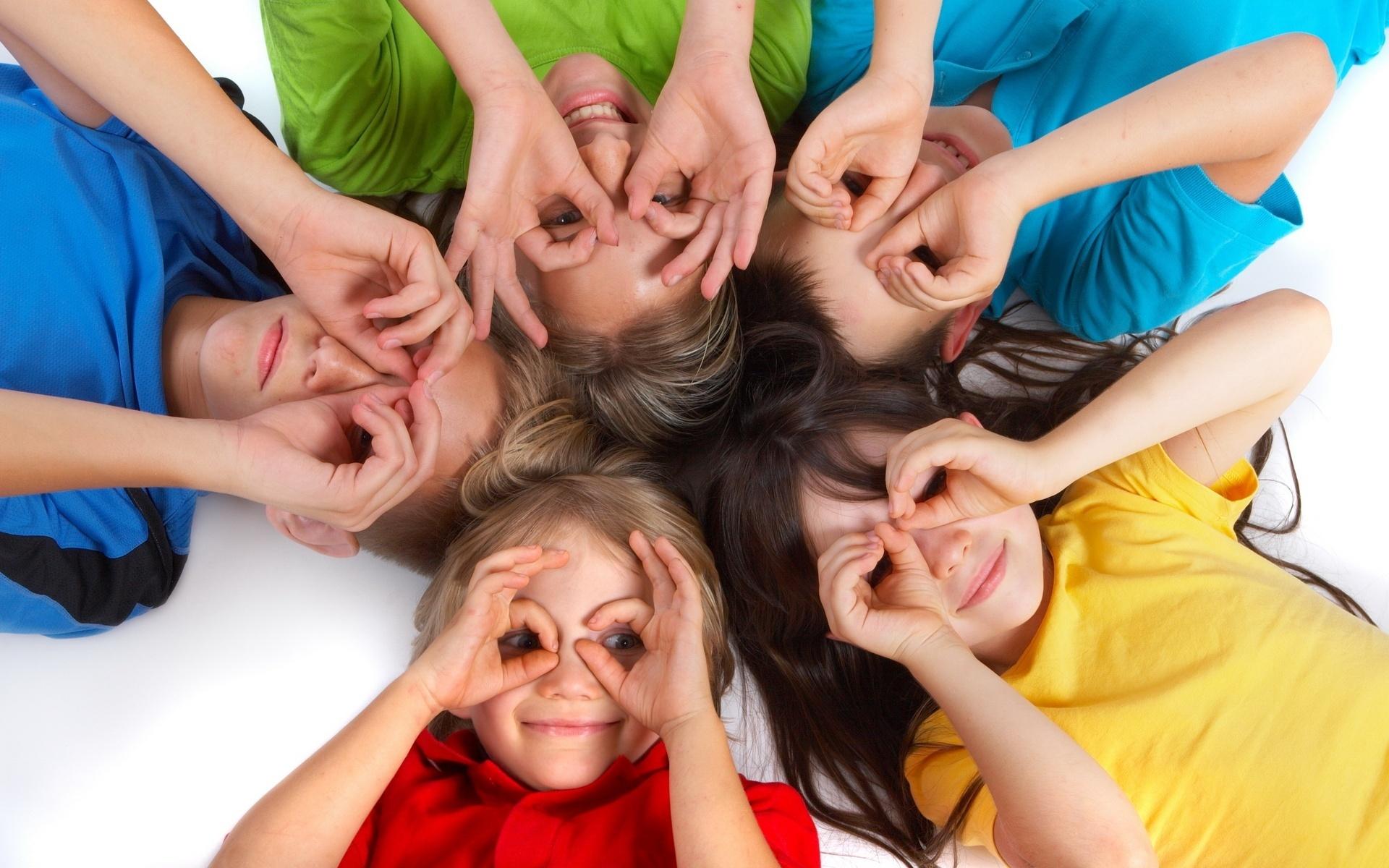 Картинки ребенок в коллективе